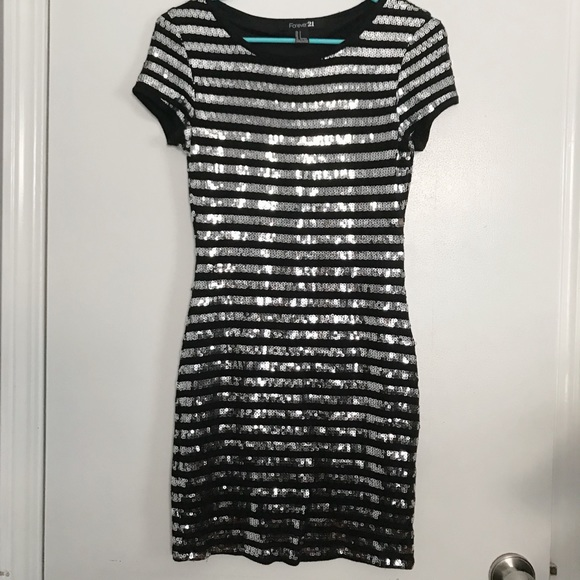Forever 21 Dresses & Skirts - Sparkly Party Dress